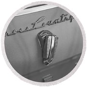1961 Rambler Emblem B And W Round Beach Towel