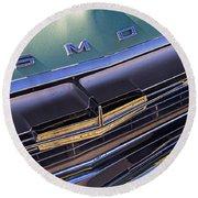 1964 Oldsmobile Jetstar Hood Ornament Round Beach Towel