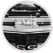 1970 Chevrolet Chevelle Ss Grille Emblem - Engine -0171bw Round Beach Towel