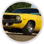 1970 Hemi 'cuda - Lemon Twist Yellow Round Beach Towel