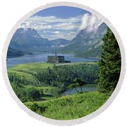 1m3001 Prince Of Wales From Afar Round Beach Towel