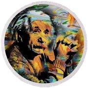 Albert Einstein.. - By Prar Round Beach Towel