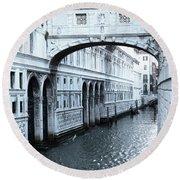 Bridge Of Sighs, Venice, Italy Round Beach Towel