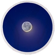 Crescent Moon With Earthshine Round Beach Towel