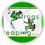 2 Frogs Leaping Round Beach Towel