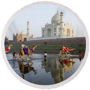 India's Taj Mahal Round Beach Towel
