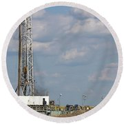 Land Oil Drilling Rig On Oilfield Round Beach Towel