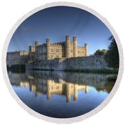 Leeds Castle Reflections Round Beach Towel