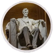 Lincoln Statue Round Beach Towel