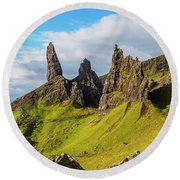 Old Man Of Storr, Isle Of Skye, Scotland Round Beach Towel