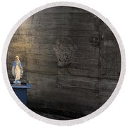 Shrine Round Beach Towel