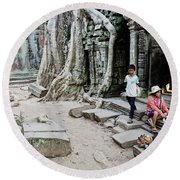 Souvenir Trinket Stall Vendor In Angkor Wat Famous Temple Cambod Round Beach Towel