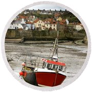 Staithes, North Yorkshire, England Round Beach Towel