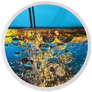 Water And Oil Round Beach Towel