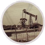 2016_10_pecos Tx_ Pump Jacks 1 Round Beach Towel