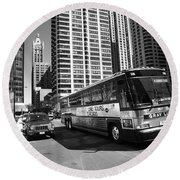Chicago Bus And Buildings Round Beach Towel