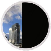 Cleveland City Skyline And Old Lamp Post Round Beach Towel