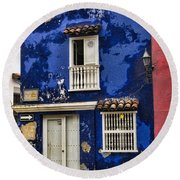Colonial Buildings In Old Cartagena Colombia Round Beach Towel by David Smith