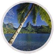 French Polynesia, Moorea Round Beach Towel
