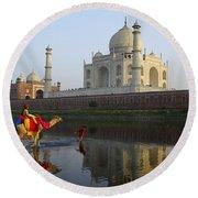 India's Taj Mahal Round Beach Towel