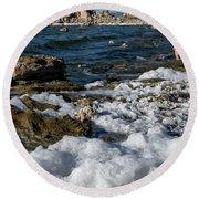 Lakefront At Mono Lake, Eastern Sierra, California, Usa Round Beach Towel