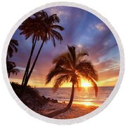 Lonely Palm Round Beach Towel
