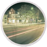 Newport Rhode Island City Streets In The Evening Round Beach Towel