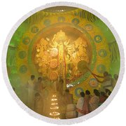 Priest Praying To Goddess Durga Durga Puja Festival Kolkata India Round Beach Towel