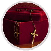 Red Velvet Box With Cross And Rosary Round Beach Towel