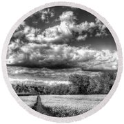 The Summers Day Farm Round Beach Towel