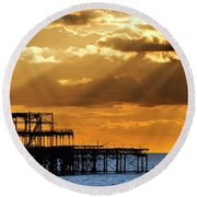 The West Pier In Brighton At Sunset Round Beach Towel