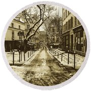 Winter In Paris Round Beach Towel