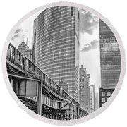 333 W Wacker Drive Black And White Round Beach Towel