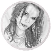 Miss Beckinsale  Round Beach Towel