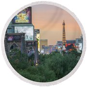 november 2017 Las Vegas, Nevada - evening shot of eiffel tower a Round Beach Towel