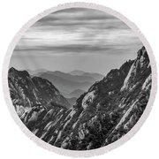 5818- Yellow Mountains Black And White Round Beach Towel