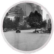 59th Street By Central Park Round Beach Towel