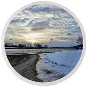 Sunset Over Obear Park In Snow Round Beach Towel