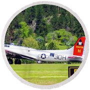 B-17 Bomber Taxiing 1 Round Beach Towel