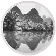 Yulong River Scenery Round Beach Towel
