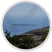 Mountain's View Round Beach Towel