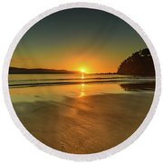 Sunrise Seascape From The Beach Round Beach Towel