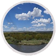 A Bend In The River Round Beach Towel