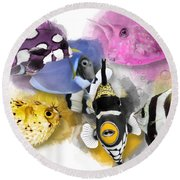 A Bunch Of Colorful Fish No 01 Round Beach Towel