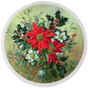 A Christmas Arrangement With Holly Mistletoe And Other Winter Flowers Round Beach Towel