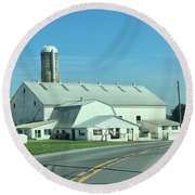 A Clear Amish Day Round Beach Towel