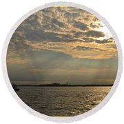 A Evening With Hudson River Round Beach Towel