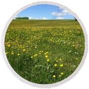 A Field Of Buttercups Round Beach Towel