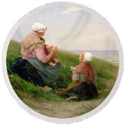 A Mother And Her Small Children Round Beach Towel by Edith Hume