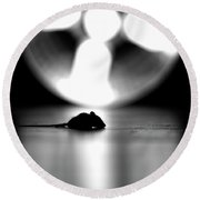 A Mouse Tale Round Beach Towel